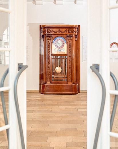 Foyer_Blick auf die Astronomische Kunstuhr