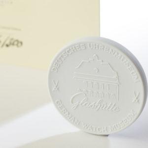 """Medaille """"Deutsches Uhrenmuseum Glashütte"""" aus Meißner Porzellan"""